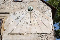 Ηλιακό ρολόι στην οδό Tkalciceva στο Ζάγκρεμπ, Κροατία στοκ φωτογραφία