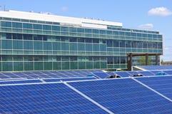 Ηλιακό τροφοδοτημένο γραφείο Στοκ Εικόνες