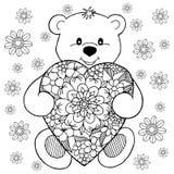 Η διανυσματική απεικόνιση zentagl, μια teddy αρκούδα με την καρδιά μεταξύ των λουλουδιών Σχέδιο Doodle Στοχαστικές ασκήσεις Χρωμα Στοκ Εικόνες