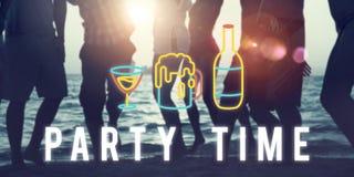 Η διασκέδαση ζωής νύχτας κόμματος απολαμβάνει την έννοια στοκ φωτογραφίες
