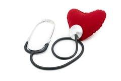Η ιατρική καρδιά ακούσματος στηθοσκοπίων κτυπά απομονωμένος στο λευκό Στοκ Φωτογραφία