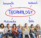 Η διαδικασία τεχνολογίας καινοτομεί έννοια στοιχείων δικτύων στοκ εικόνες