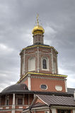 η ιερή θέση του Κίεβου Θεών καθεδρικών ναών αρχιτεκτονικής εξυπηρετεί στο troyeshchina τριάδας Σαράτοβ, Ρωσία στοκ εικόνα