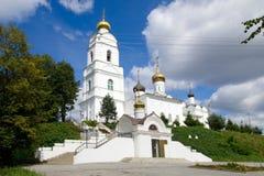 η ιερή θέση του Κίεβου Θεών καθεδρικών ναών αρχιτεκτονικής εξυπηρετεί στο troyeshchina τριάδας Στοκ Εικόνες
