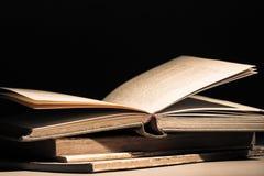 Ηλικίας βιβλία στοκ φωτογραφίες