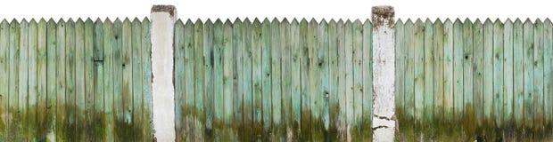 Ηλικίας ξύλινος βρώμικος φράκτης κοντά σε ένα αγροτικό χοιροστάσιο Στοκ εικόνα με δικαίωμα ελεύθερης χρήσης