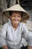 ηλικιωμένη βιετναμέζικη γυναίκα Στοκ Φωτογραφίες