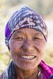 Ηλικιωμένη γυναίκα πορτρέτου στο χωριό Himalayan, Νεπάλ Στοκ Εικόνα