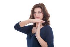 Ηλικιωμένη γυναίκα που παρουσιάζει σπάσιμο με τα χέρια που απομονώνεται. στοκ εικόνες