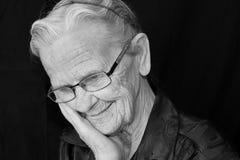 ηλικιωμένη χαμογελώντας Στοκ εικόνα με δικαίωμα ελεύθερης χρήσης