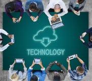 Η δικτύωση τεχνολογίας υπολογισμού σύννεφων μεταφορτώνει την έννοια Στοκ φωτογραφίες με δικαίωμα ελεύθερης χρήσης