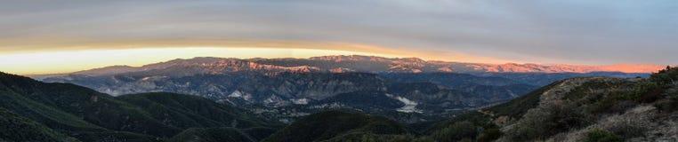 Ηλιοβασίλεμα άνω του Los Padres Στοκ Εικόνες