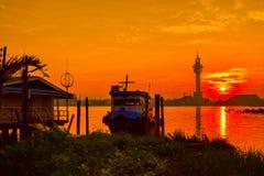 Ηλιοβασίλεμα (ήλιος αύξησης το πρωί) Στοκ εικόνα με δικαίωμα ελεύθερης χρήσης