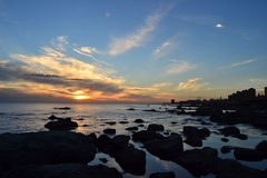 Ηλιοβασίλεμα ακτών του Μοντεβίδεο Στοκ εικόνα με δικαίωμα ελεύθερης χρήσης