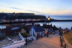Ηλιοβασίλεμα από τα 199 βήματα σε Whitby Στοκ Εικόνα