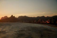 Ηλιοβασίλεμα από Arpoador στο Ρίο ντε Τζανέιρο Στοκ Εικόνες