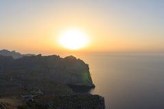 Ηλιοβασίλεμα βουνών φάρων στο νησί Palma Στοκ Εικόνα
