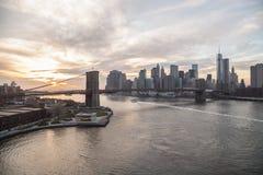 Ηλιοβασίλεμα γεφυρών του Μπρούκλιν του Μανχάταν πόλεων της Νέας Υόρκης Στοκ φωτογραφίες με δικαίωμα ελεύθερης χρήσης