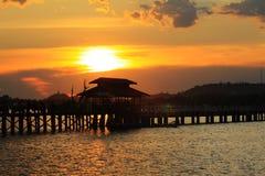Ηλιοβασίλεμα γεφυρών του U Bein, το Μιανμάρ Στοκ εικόνες με δικαίωμα ελεύθερης χρήσης