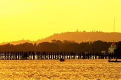 Ηλιοβασίλεμα γεφυρών του U Bein, το Μιανμάρ Στοκ φωτογραφία με δικαίωμα ελεύθερης χρήσης