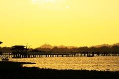 Ηλιοβασίλεμα γεφυρών του U Bein, το Μιανμάρ Στοκ Εικόνες