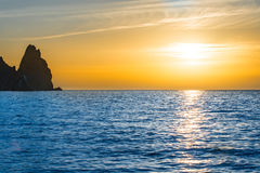 Ηλιοβασίλεμα επάνω από την μπλε θάλασσα Στοκ φωτογραφίες με δικαίωμα ελεύθερης χρήσης