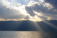 Ηλιοβασίλεμα επάνω από τη λίμνη Erhai, Δάλι, επαρχία Yunnan Στοκ Εικόνα