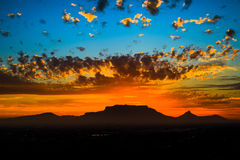 Ηλιοβασίλεμα επιτραπέζιων βουνών στοκ φωτογραφία με δικαίωμα ελεύθερης χρήσης