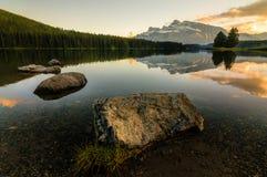 Ηλιοβασίλεμα λιμνών βουνών του Καναδά Στοκ Εικόνα