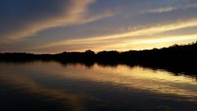 Ηλιοβασίλεμα λιμνών βράχου Στοκ Εικόνες