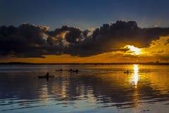 Ηλιοβασίλεμα κάτω από τα σύννεφα θύελλας στην ακτή του Dorset Στοκ εικόνες με δικαίωμα ελεύθερης χρήσης