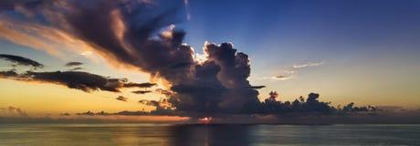 Ανατολή ηλιοβασιλέματος Στοκ Εικόνες