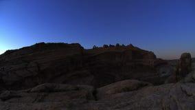 Ηλιοβασίλεμα και ανατολή πέρα από το τοπίο ερήμων redrocks απόθεμα βίντεο