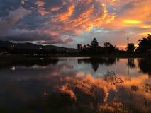 Ηλιοβασίλεμα και αντανάκλαση νερού Στοκ εικόνες με δικαίωμα ελεύθερης χρήσης
