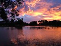 Ηλιοβασίλεμα και αντανάκλαση νερού Στοκ εικόνα με δικαίωμα ελεύθερης χρήσης