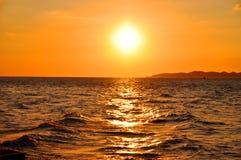 Ηλιοβασίλεμα και η θάλασσα Στοκ φωτογραφία με δικαίωμα ελεύθερης χρήσης