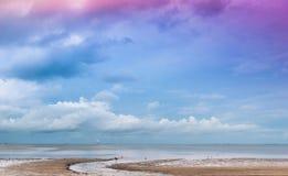 Ηλιοβασίλεμα και η παραλία στοκ φωτογραφία με δικαίωμα ελεύθερης χρήσης