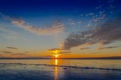 Ηλιοβασίλεμα και πάγος Στοκ εικόνες με δικαίωμα ελεύθερης χρήσης