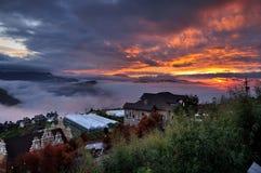 Ηλιοβασίλεμα και σύννεφα Στοκ φωτογραφίες με δικαίωμα ελεύθερης χρήσης