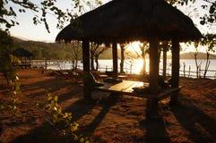 Ηλιοβασίλεμα καλυβών παραλιών νησιών Lombok Στοκ Φωτογραφία