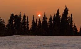 Ηλιοβασίλεμα κορυφογραμμών βουνών Στοκ Φωτογραφία
