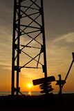 Ηλιοβασίλεμα μέσω της κατασκευής Στοκ φωτογραφίες με δικαίωμα ελεύθερης χρήσης