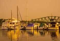 Ηλιοβασίλεμα μαρινών βαρκών στοκ εικόνες με δικαίωμα ελεύθερης χρήσης