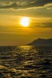 Ηλιοβασίλεμα με τη θάλασσα στοκ φωτογραφία