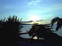 Ηλιοβασίλεμα με τον κόλπο Στοκ φωτογραφίες με δικαίωμα ελεύθερης χρήσης