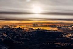 Ηλιοβασίλεμα πέρα από τα της Γουατεμάλας σύννεφα Στοκ Φωτογραφία