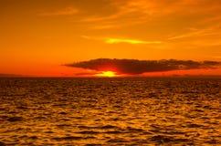 Ηλιοβασίλεμα πέρα από την ακτή του Ατλαντικού Ωκεανού Στοκ φωτογραφία με δικαίωμα ελεύθερης χρήσης