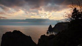 Ηλιοβασίλεμα πέρα από τη θάλασσα, χρονικό σφάλμα Fiolent απόθεμα βίντεο