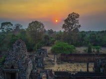 Ηλιοβασίλεμα πέρα από τις καταστροφές στο TA Keo, Angkor Στοκ Φωτογραφία