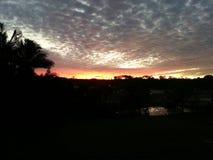 Ηλιοβασίλεμα πέρα από τις σειρές στοκ φωτογραφίες με δικαίωμα ελεύθερης χρήσης